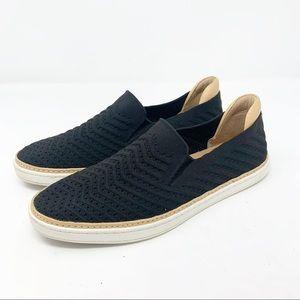 UGG Sammy Slip-On Fashion Sneaker Black Knit 9.5